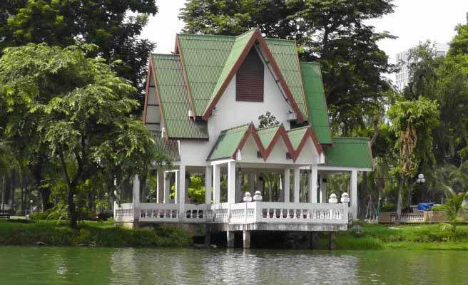 پارک لامفینی در بانکوک