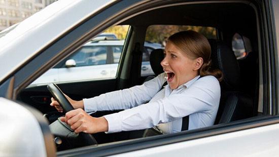 اگر ترمز اتومبیل نگرفت، بهترین اقدام چیست؟