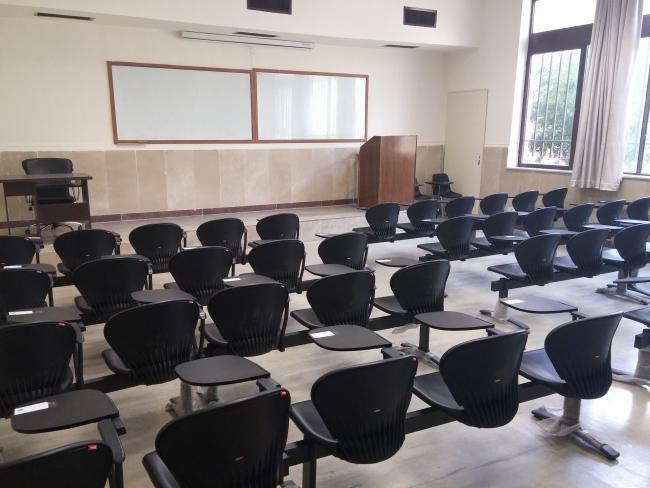 پاسکاری تعطیلی دانشگاه ها میان مسئولان ، دانشگاه هایی که بی تدبیر مجازی شدند!