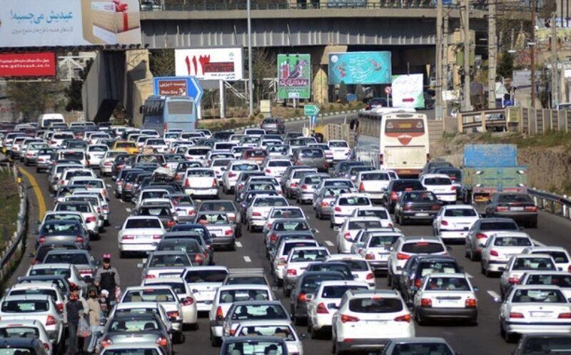 خبرنگاران ترافیک سنگین در آزاد راه کرج - قزوین بخاطر فعالیت عمرانی است