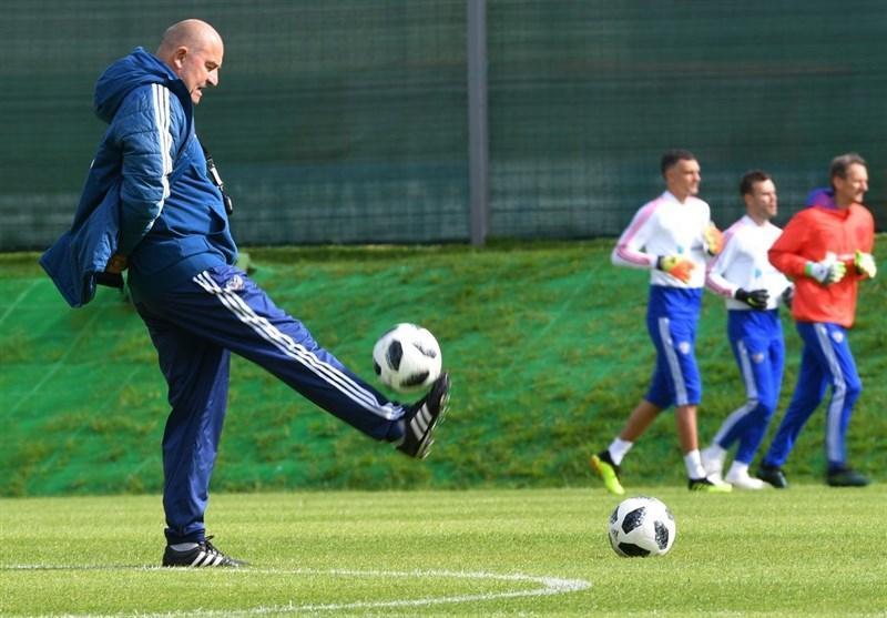 تمدید قرارداد سرمربی تیم ملی فوتبال روسیه تا 2024