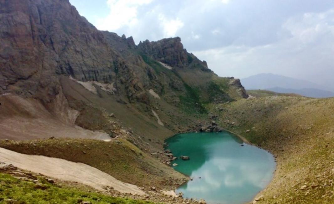 دریاچه زیبای بز سینه در ارومیه، عکس