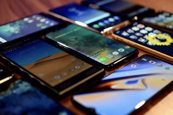 واکنش بازار موبایل به ممنوعیت واردات گوشی های لوکس