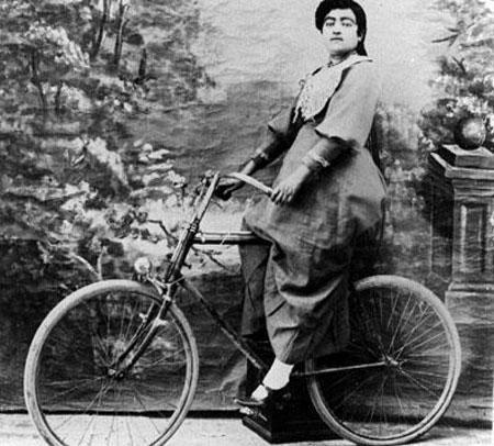 دوچرخه سواری برای زنان، یک اعتراض پنهان است؟