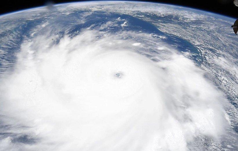 نمای شگفت آوری که تجهیزات فضایی از طوفان سهمگین لورا نشان می دهند