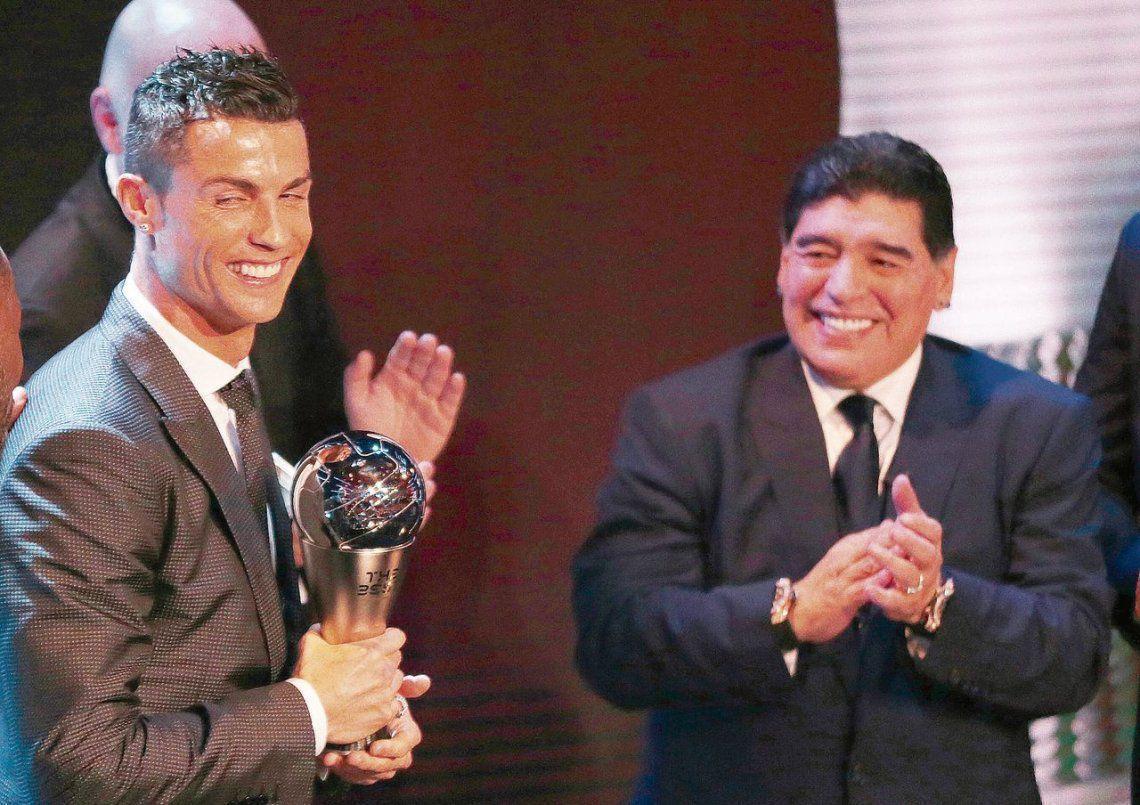 کریستیانو رونالدو: مارادونا نابغه ای ابدی است، هرگز فراموش نخواهی شد اسطوره