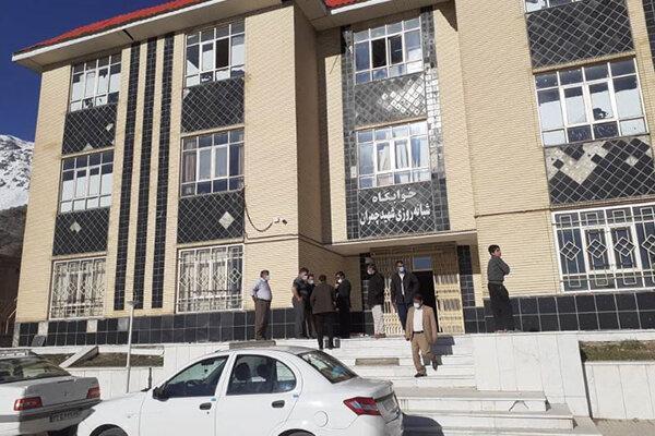 مدارس محل اسکان نیرو های امدادی و مردم زلزله زده سی سخت شد