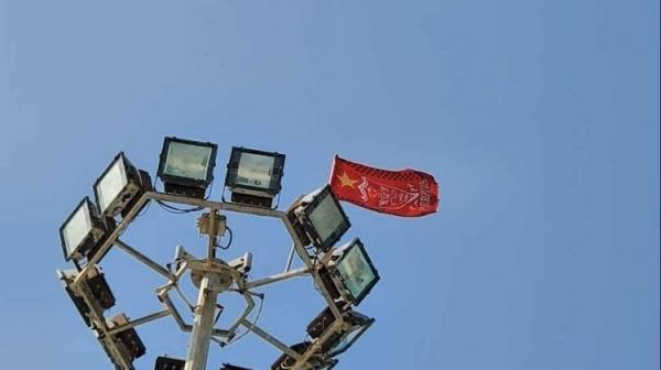 (عکس) پرچم پرسپولیس یا پرچم چین؟!