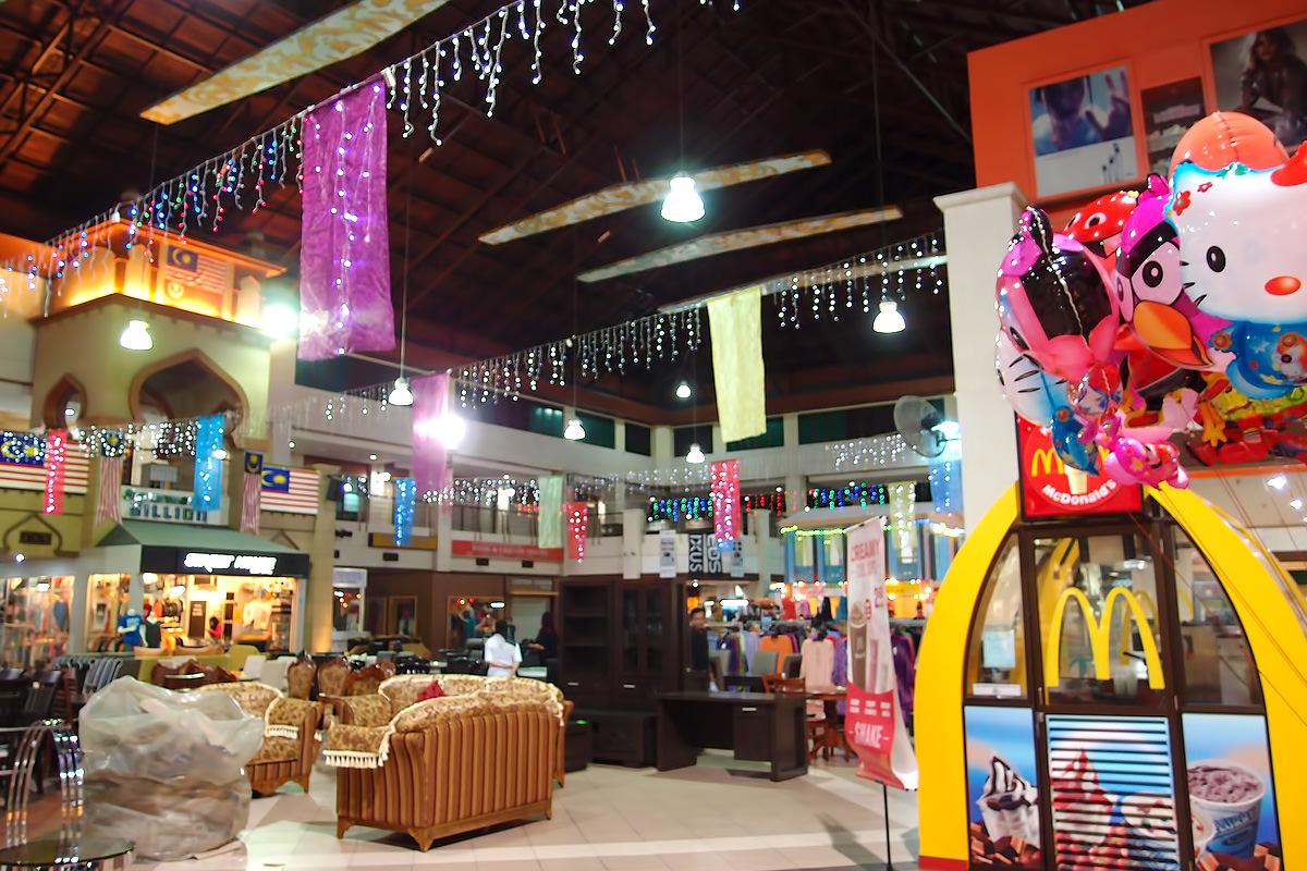مرکز خرید تئو سون هوات در لنکاوی